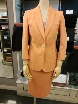 サマーレディーススーツ